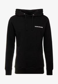 Calvin Klein Jeans - SMALL INSTIT HOODIE - Hoodie - black - 4
