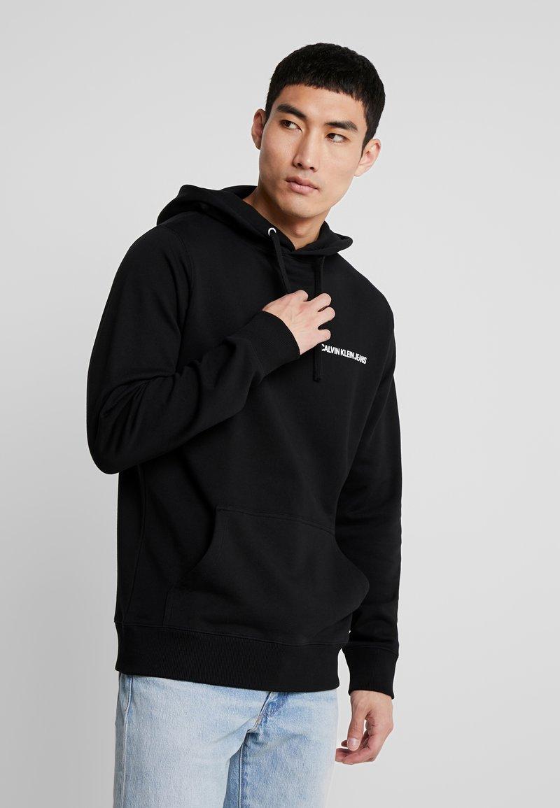 Calvin Klein Jeans - SMALL INSTIT HOODIE - Hoodie - black
