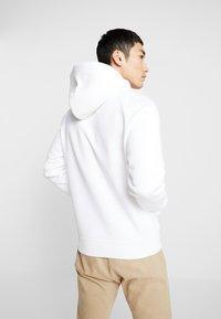 Calvin Klein Jeans - Sweat à capuche - bright white - 2