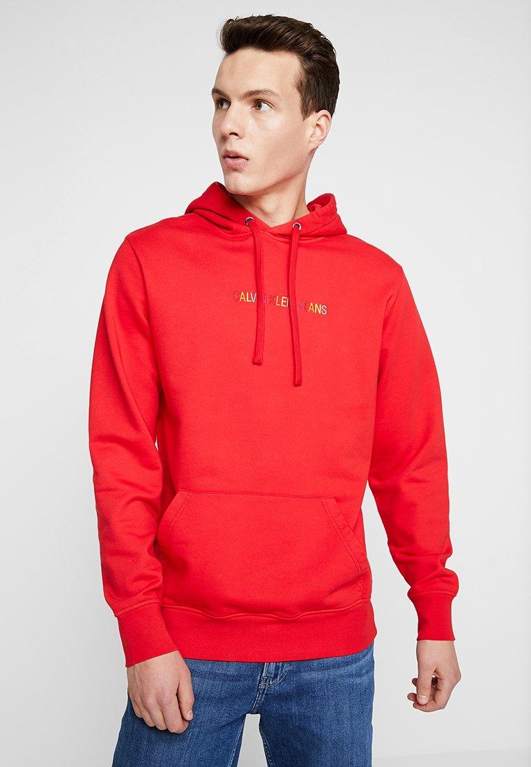 Rainbow Capuche À Klein Logo PrideSweat Red Racing Calvin Jeans YWD29IEH
