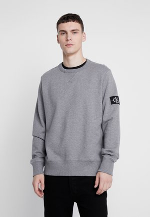 MONOGRAM SLEEVE BADGE - Felpa - mid grey heather