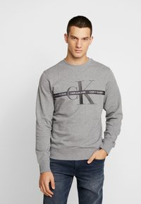 Calvin Klein Jeans - TAPING THROUGH MONOGRAM - Mikina - mid grey heather - 0