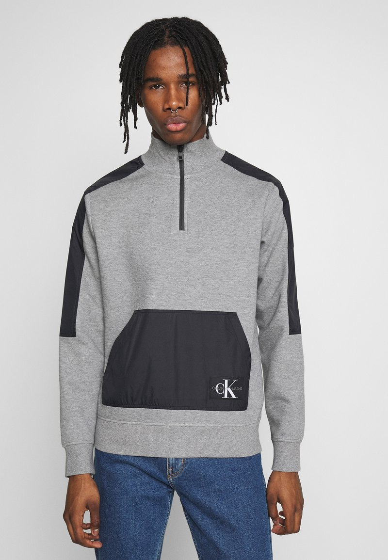 Calvin Klein Jeans - MIXED MEDIA MOCK NECK - Sweater - mid grey heather/black