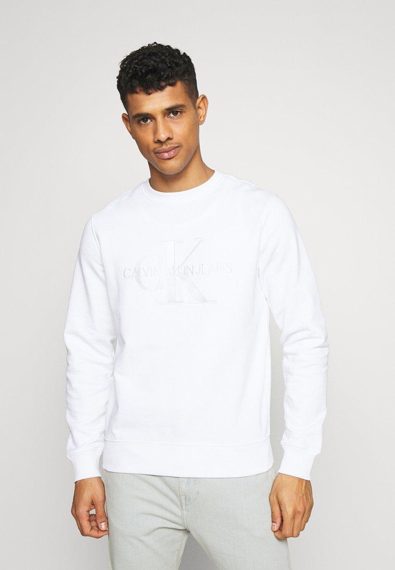 Calvin Klein Jeans - MONOGRAM EMBRO - Sweatshirt - bright white