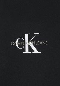 Calvin Klein Jeans - CENTER MONOGRAM CREW NECK - Sweatshirt - black - 2