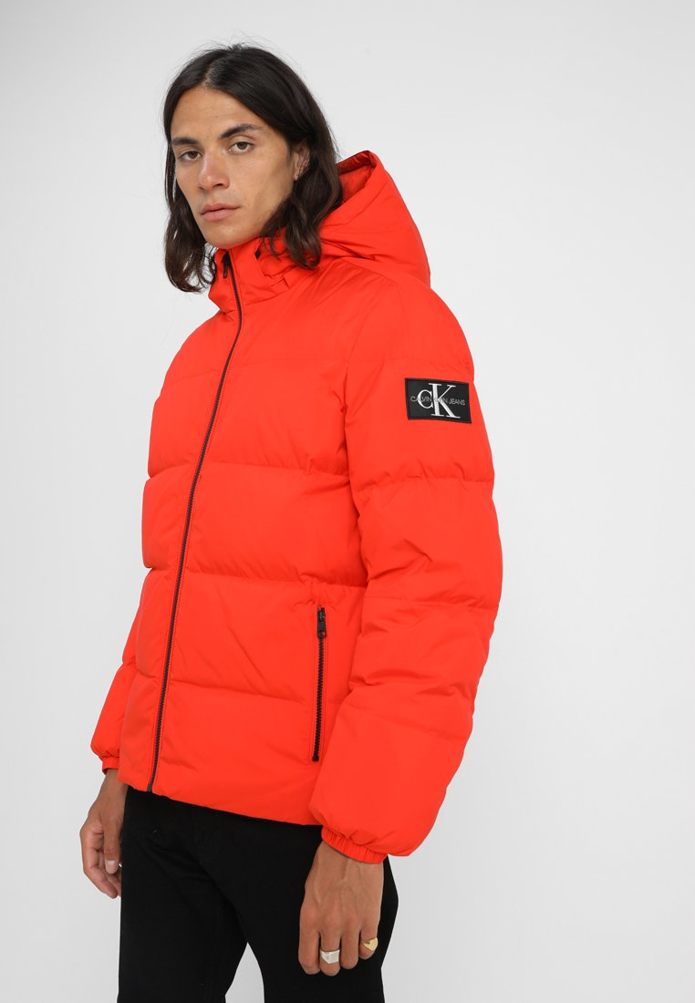 Calvin Klein Jeans - HOODED JACKET - Gewatteerde jas - red