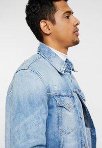 Calvin Klein Jeans - FOUNDATION SLIM JACKET - Džínová bunda - denim - 3