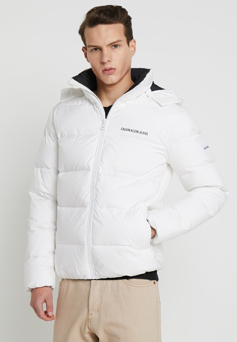 Calvin Klein Jeans - HOODED DOWN PUFFER  - Winterjacke - white