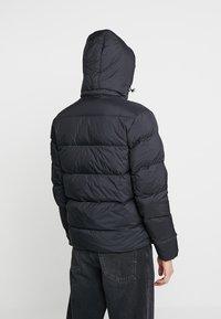 Calvin Klein Jeans - HOODED DOWN PUFFER  - Winterjas - black - 2