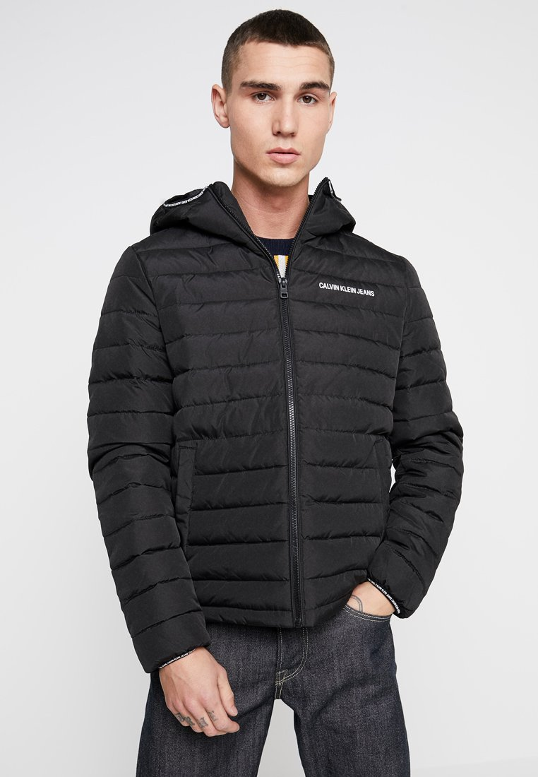 Calvin Klein Jeans - PADDED HOODED JACKET - Jas - black