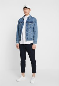 Calvin Klein Jeans - FOUNDATION SLIM JACKET - Cowboyjakker - denim - 1