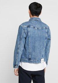 Calvin Klein Jeans - FOUNDATION SLIM JACKET - Cowboyjakker - denim - 2