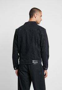 Calvin Klein Jeans - FOUNDATION SLIM JACKET - Kurtka jeansowa - black - 2