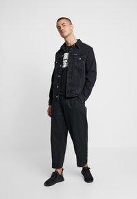 Calvin Klein Jeans - FOUNDATION SLIM JACKET - Kurtka jeansowa - black - 1