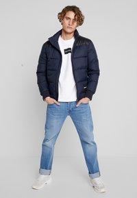 Calvin Klein Jeans - PADDED WESTERN PUFFER - Zimní bunda - night sky / black - 1