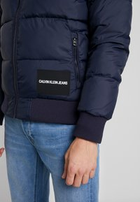 Calvin Klein Jeans - PADDED WESTERN PUFFER - Zimní bunda - night sky / black - 5