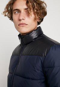 Calvin Klein Jeans - PADDED WESTERN PUFFER - Zimní bunda - night sky / black - 3