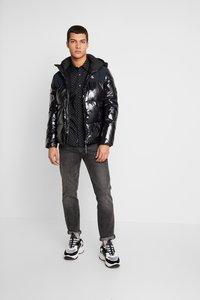 Calvin Klein Jeans - HIGH SHINE PADDED PUFFER - Veste d'hiver - black - 1