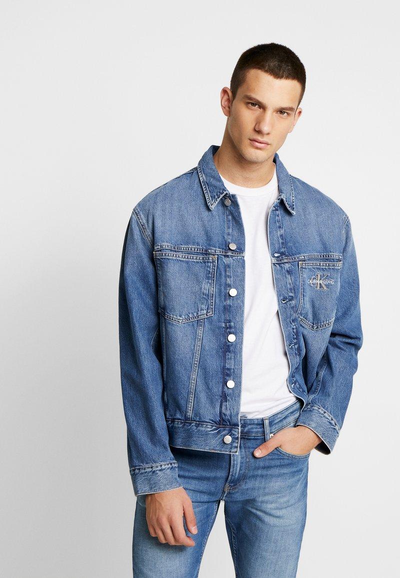 Calvin Klein Jeans - ICONICS OMEGA JACKET - Denim jacket - mid blue