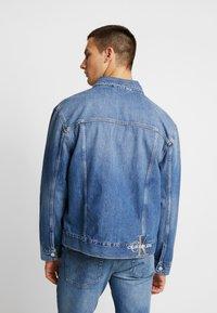 Calvin Klein Jeans - ICONICS OMEGA JACKET - Denim jacket - mid blue - 2