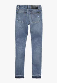 Calvin Klein Jeans - SKINNY MEDIUM RISE - Jeans Skinny Fit - denim - 1