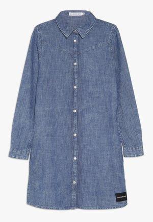 MARBLE WASH DRESS - Denim dress - denim