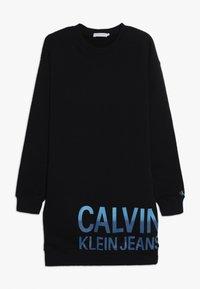 Calvin Klein Jeans - STAMP LOGO DRESS - Denní šaty - black - 0