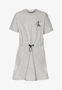Calvin Klein Jeans - SMALL MONOGRAM DRESS - Trikoomekko - grey - 0