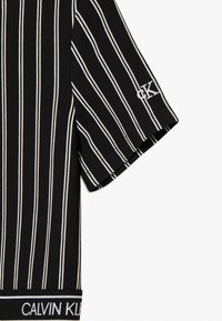 Calvin Klein Jeans - CITY STRIPE DRESS - Trikoomekko - black - 3
