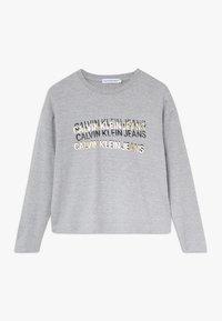 Calvin Klein Jeans - FOIL TRIPLE LOGO - Pitkähihainen paita - grey - 0