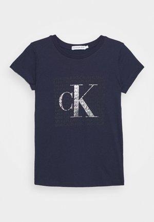 IRIDESCENT LOGO - Print T-shirt - blue