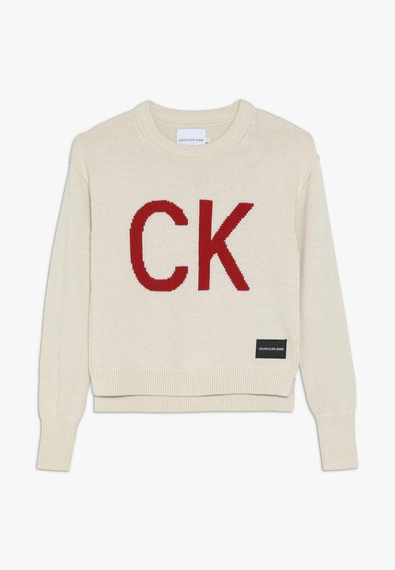 Calvin Klein Jeans - LOGO INTARSIA  - Strikpullover /Striktrøjer - off-white