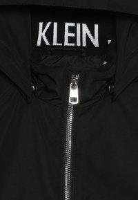 Calvin Klein Jeans - LIGHT PADDED HOOD JACKET GIRLS - Vinterjacka - black - 3