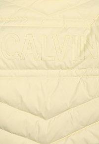 Calvin Klein Jeans - LIGHT - Untuvatakki - yellow - 3