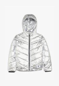 Calvin Klein Jeans - LIGHT HOOD BOMBER GIRLS - Chaqueta de invierno - silver - 3