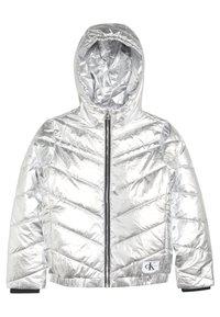 Calvin Klein Jeans - LIGHT HOOD BOMBER GIRLS - Chaqueta de invierno - silver - 0