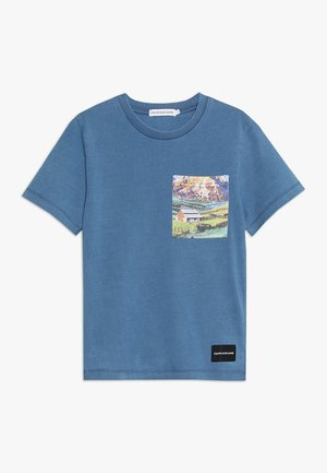 INDIGO DYE PHOTO TEE - Printtipaita - blue