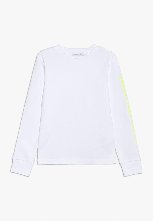 LONG SLEEVE LOGO TEE - Pitkähihainen paita - white