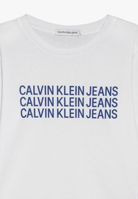 Calvin Klein Jeans - TRIPLE LOGO  - Långärmad tröja - white - 3