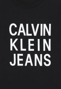 Calvin Klein Jeans - LOGO - T-shirt imprimé - black - 3