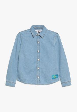 MONOGRAM BOYS - Košile - denim
