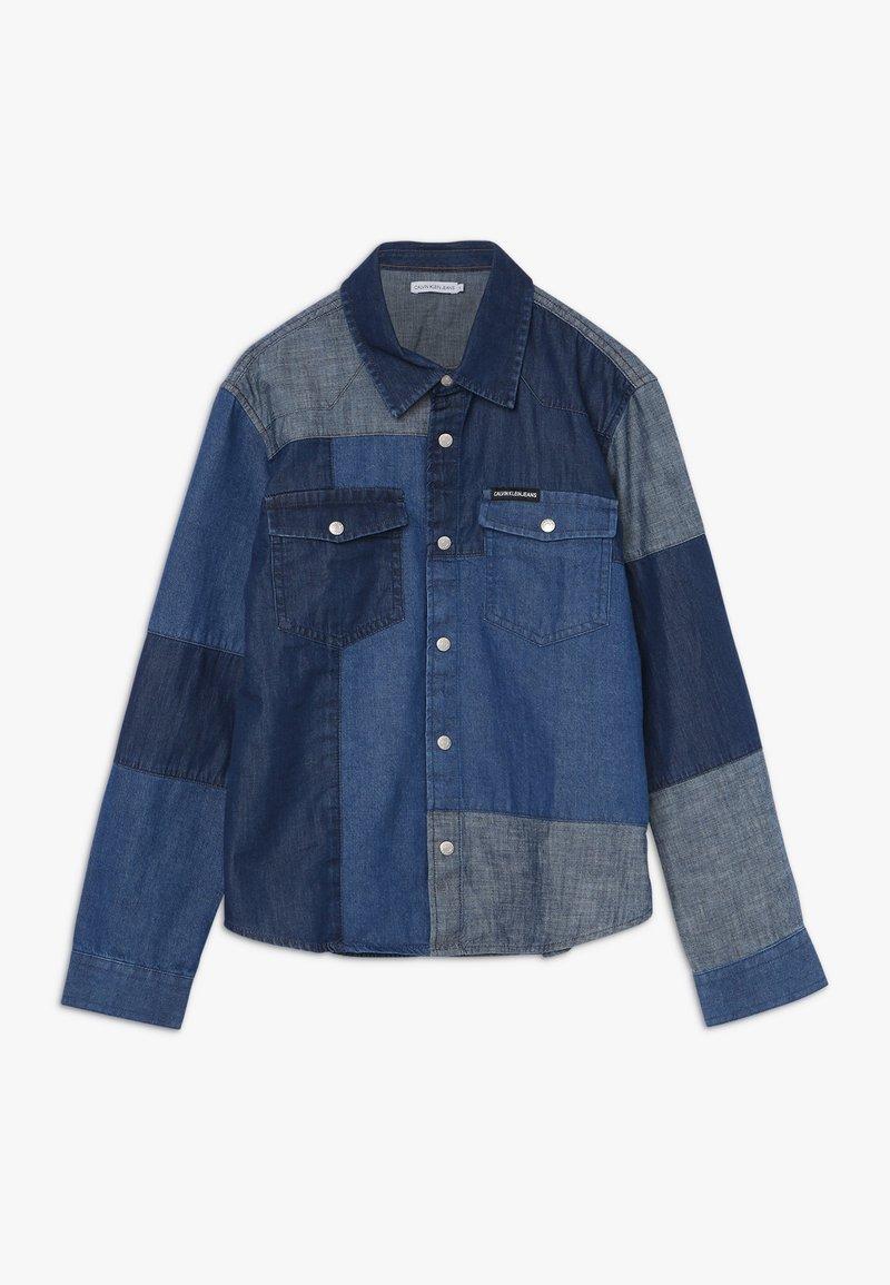 Calvin Klein Jeans - PATCHWORK - Chemise - denim