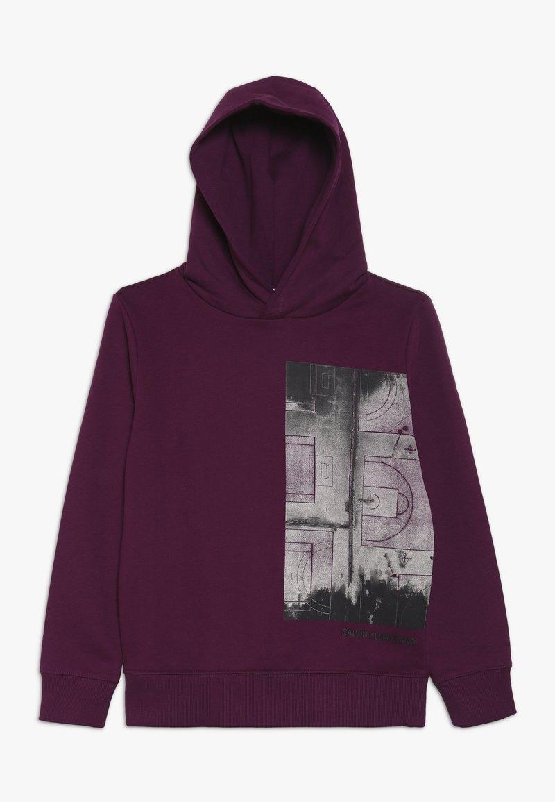 Calvin Klein Jeans - VARSITY PHOTO PRINT HOODIE - Hoodie - purple