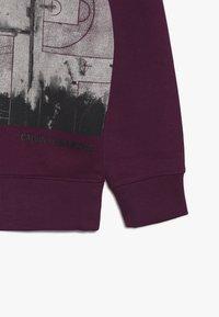 Calvin Klein Jeans - VARSITY PHOTO PRINT HOODIE - Hoodie - purple - 3