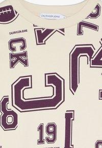 Calvin Klein Jeans - VARSITY - Mikina - beige - 4