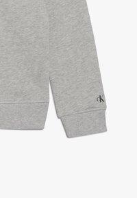Calvin Klein Jeans - STAMP LOGO HOODIE - Huppari - grey - 3