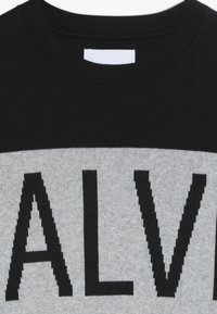 Calvin Klein Jeans - STAMP LOGO  - Trui - black - 4