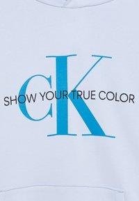 Calvin Klein Jeans - NATURAL DYE MONOGRAM HOODIE - Hoodie - blue - 2