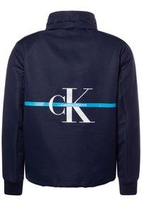 Calvin Klein Jeans - MONOGRAM STRIPE  - Chaqueta de entretiempo - blue - 2