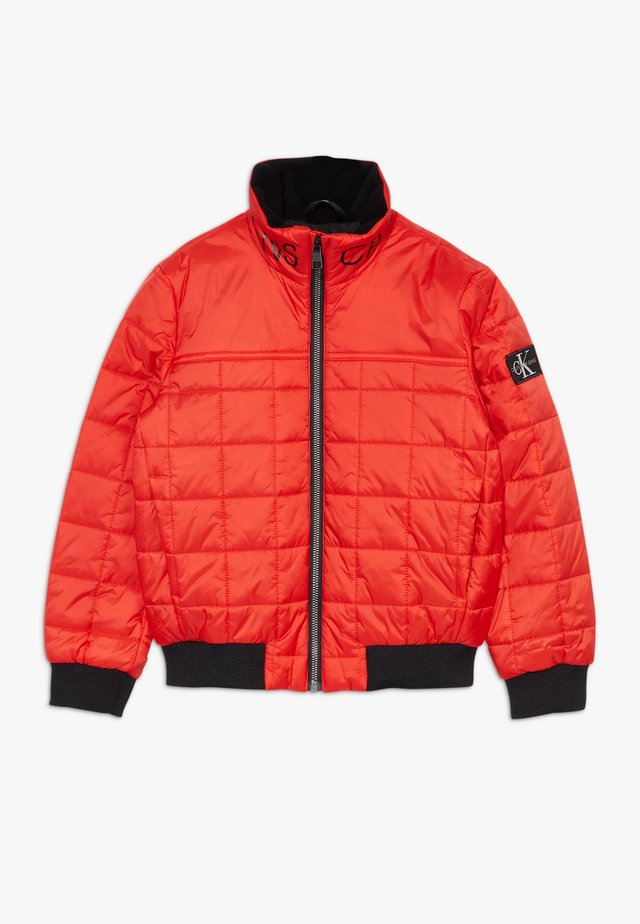 SQUARE QUILT LIGHT  - Winter jacket - red